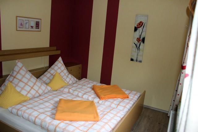 Schlafzimmer der kleinen Ferienwohnung